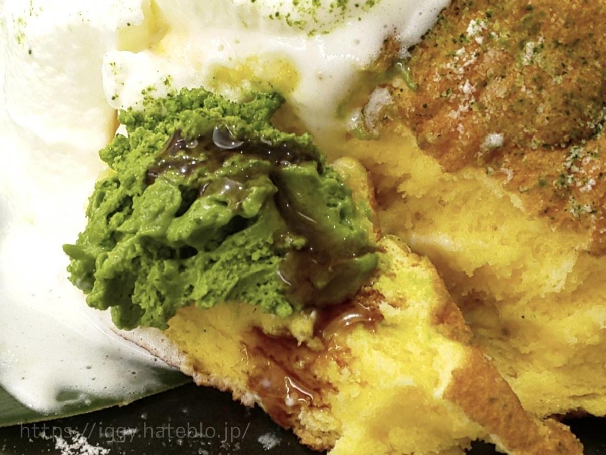 幸せのパンケーキ「宇治抹茶の濃厚ムースパンケーキ」抹茶ムース 黒蜜 口コミ