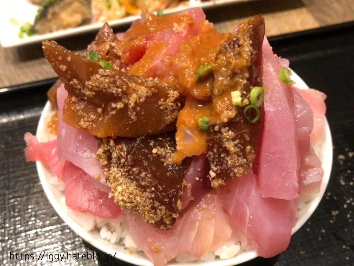 魚助食堂 ランチ 海鮮丼 刺身盛り放題 福岡パルコ店 LIFE