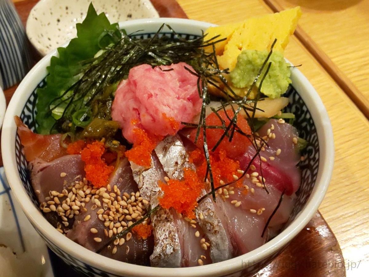 うみの食堂 選べる海鮮丼「長浜直送うみの丼」感想 LIFE
