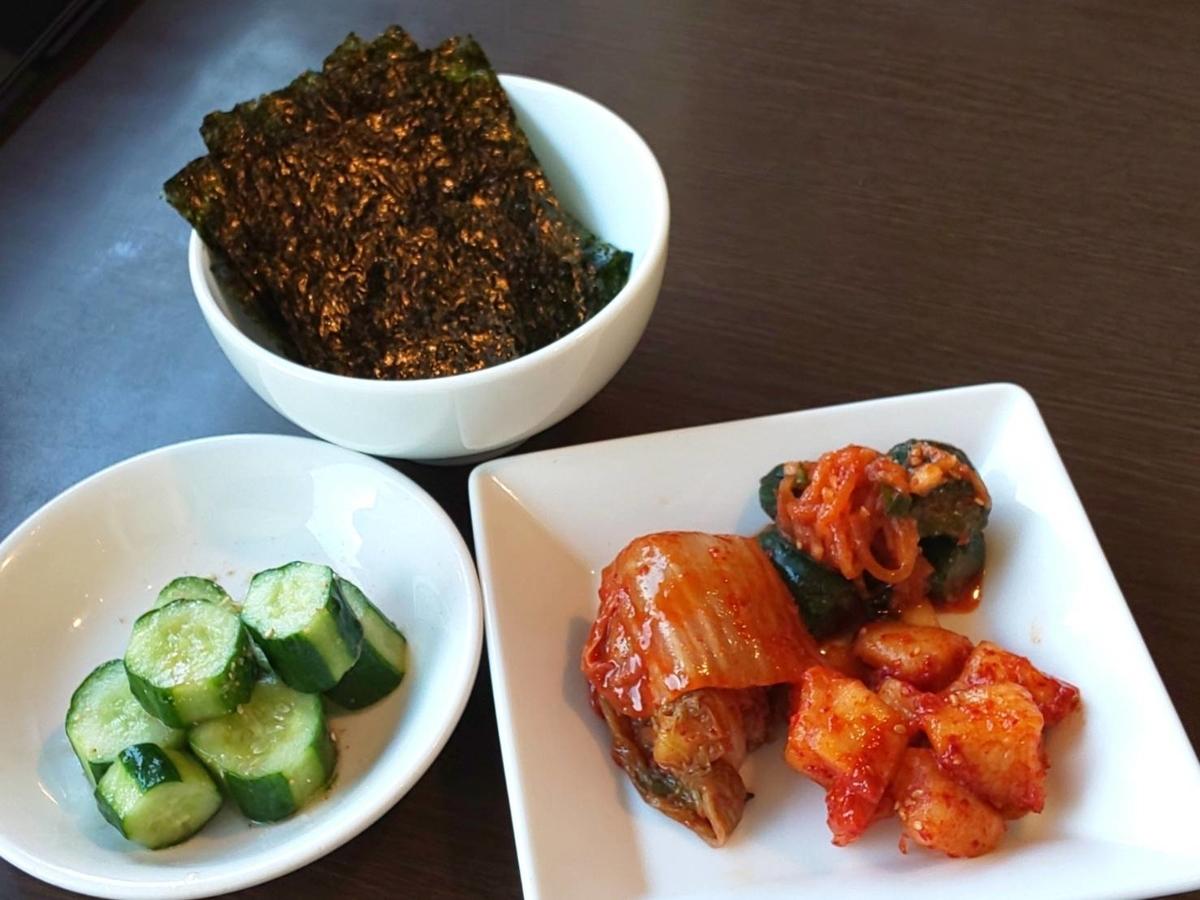 ワンカルビ 2020年10月ランチ「38品食べ放題」メニュー「韓国のり、くせになるキュウリ、キムチ盛合せ」 LIFE