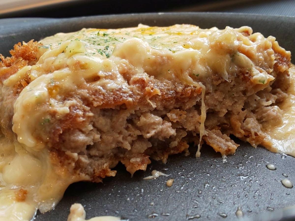 松のや シュクメルリチーズBigメンチハンバーグ定食 大きさ 感想 口コミ レビュー