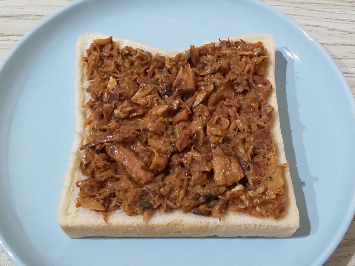 サバ味噌チーズトースト 作り方 さば味噌煮缶 アレンジ 簡単トーストレシピ