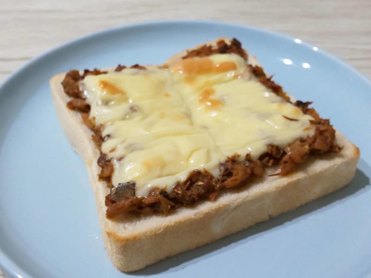 サバ味噌チーズトースト さば味噌煮缶アレンジ 簡単レシピ