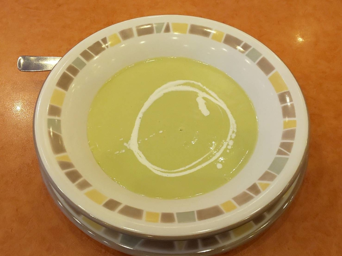 サイゼリヤ 季節限定メニュー 冷たいアスパラガススープ 値段 カロリー 塩分  感想 口コミ