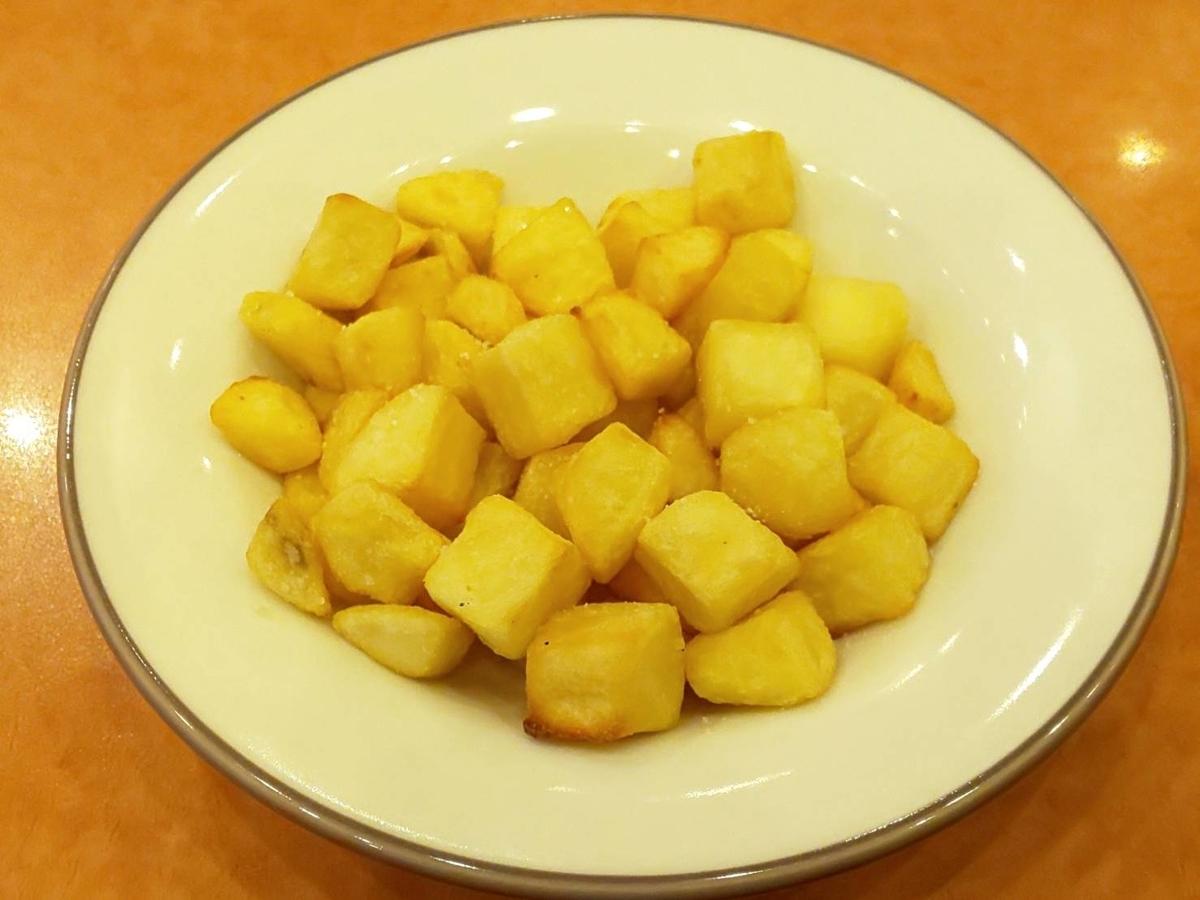サイゼリヤ 新メニュー カリッとポテト 値段 カロリー 塩分 感想 口コミ