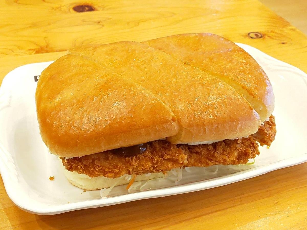 コメダ珈琲店 中村屋 カツカリーパン 大きさ カロリー 感想 口コミ レビュー