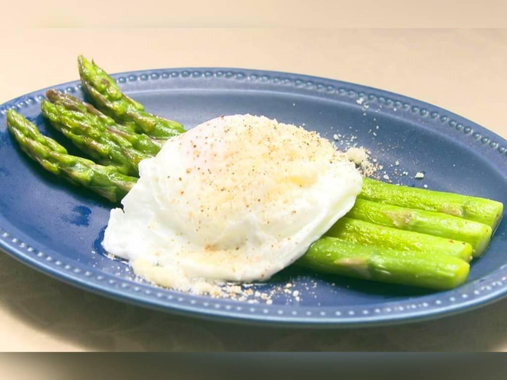 家事ヤロウ 簡単朝食レシピ 人気 ランキング  アスパラのビスマルク風