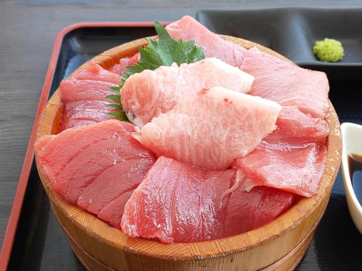糸島食堂 人気メニュー 特選クロマグロ丼 何切れ 感想 口コミ レビュー