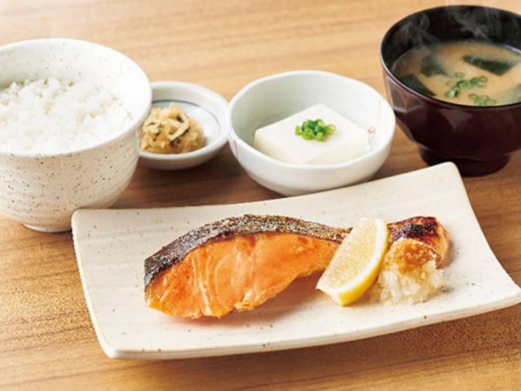 やよい軒 人気メニューランキング 1位 銀鮭の塩焼定食 値段 おすすめ