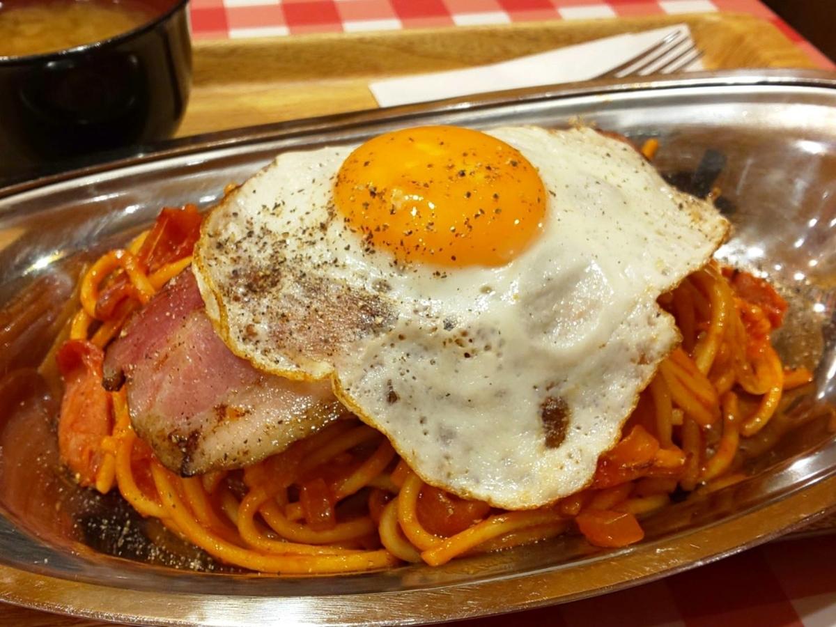スパゲッティーのパンチョ ナポリタン 王道セット 目玉焼き ベーコン 感想 口コミ レビュー