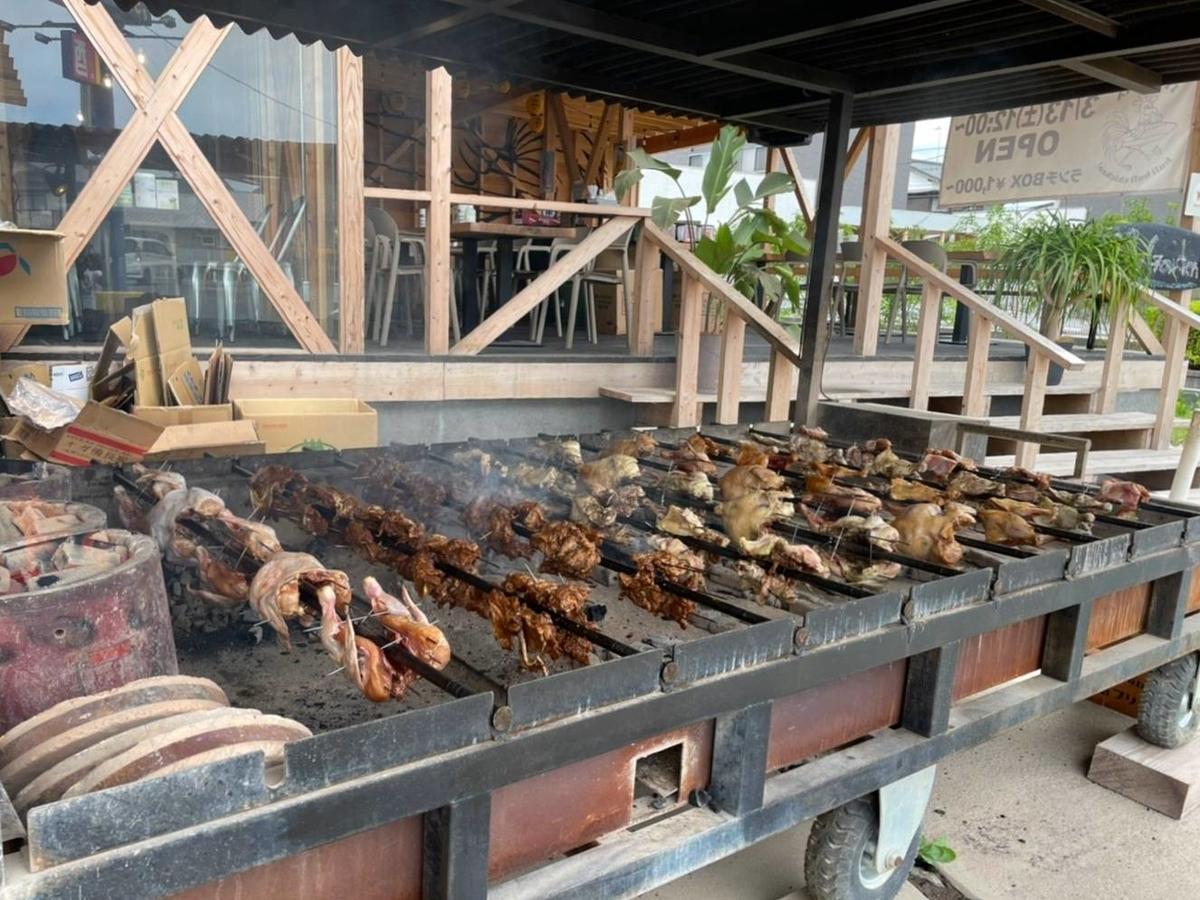 糸島フリフリチキン ハワイ料理 名物 丸鶏炭火焼き テイクアウト 値段 口コミ