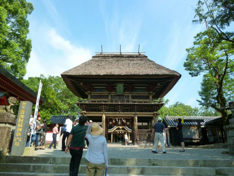 青井阿蘇神社の楼門