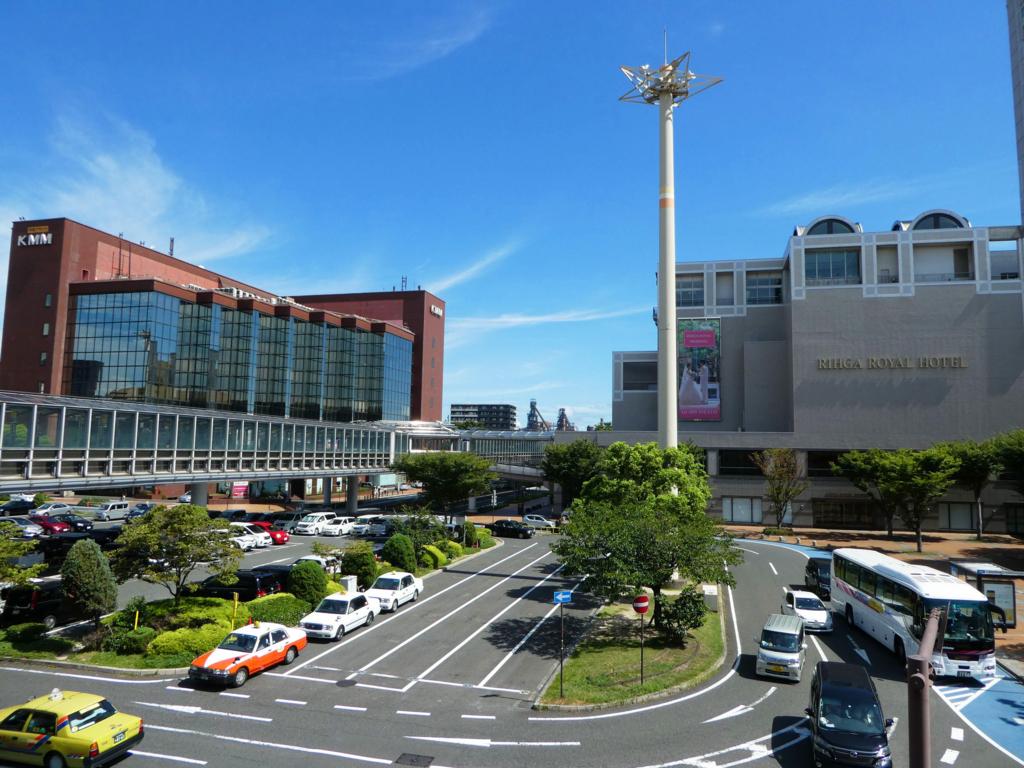 小倉駅 メーテル像