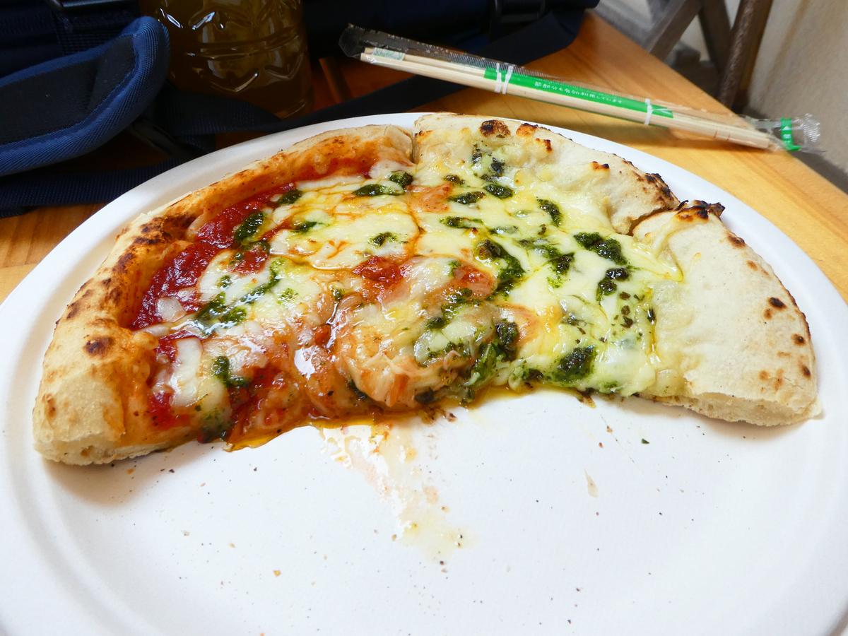 食堂勝八 ピザ