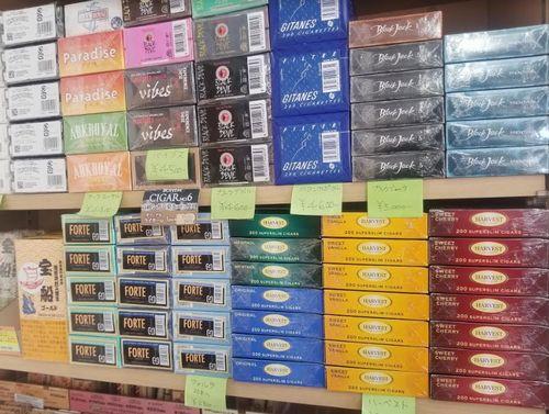 山梨県甲府市買えるブラックジャックスーパースリムBlackJack体に害が少ないタバコ次はカートンコンビニ売ってる