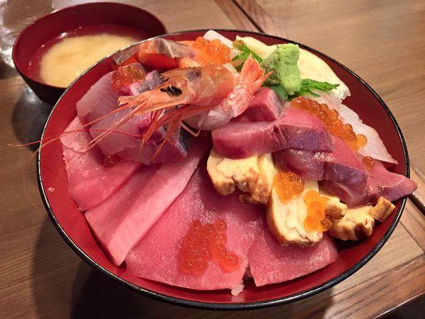 湯島駅上野駅辺りホワイトデーバレンタインのデート食事にオススメ海鮮料理大人のディナー