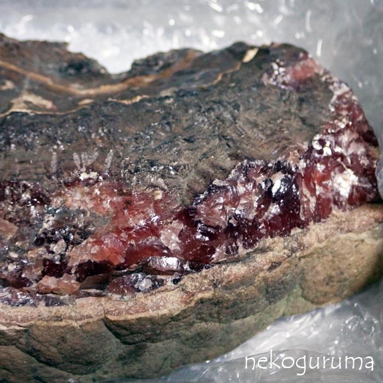 稲倉石鉱山産菱マンガン鉱