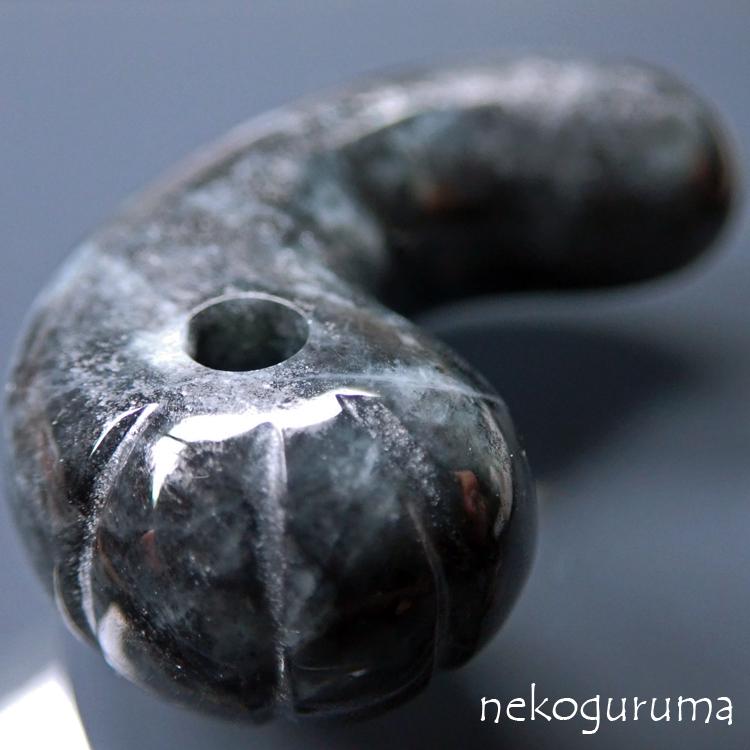 糸魚川黒翡翠