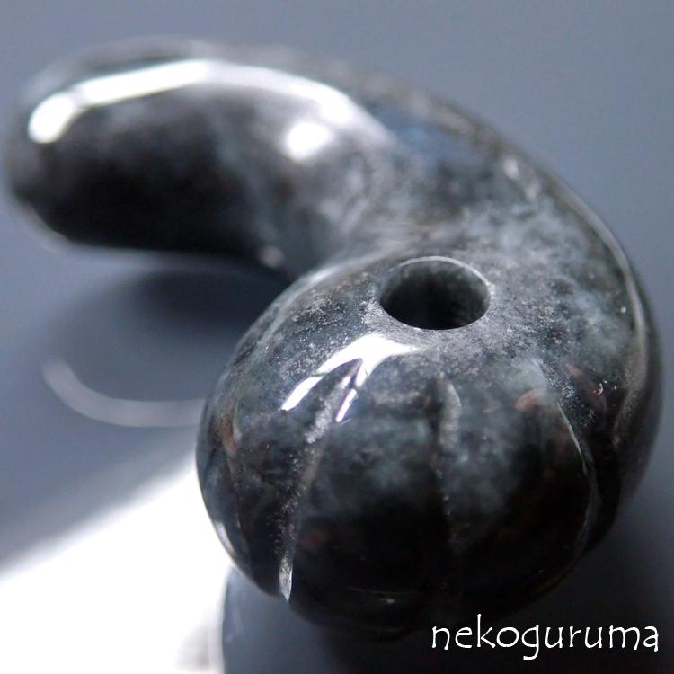 糸魚川ヒスイ黒翡翠