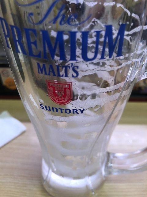 カラになったビールジョッキ。