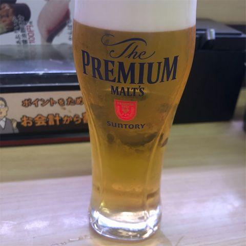ビールの小ジョッキ。