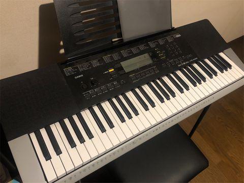 カシオ61鍵盤キーボード。