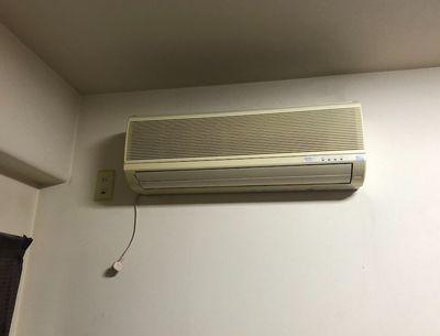 イカキム宅の壊れたエアコン。