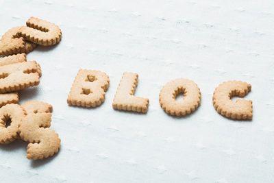 クッキーでBLOGと綴られている。