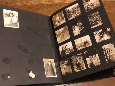 第二次世界大戦中の写真アルバム。