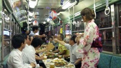 高知のおきゃく電車。