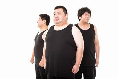 肥満体型の3人。