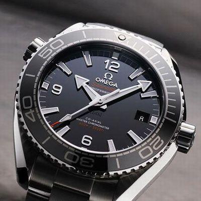 オメガの腕時計。
