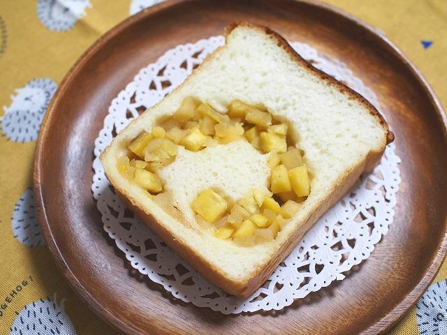 サツマイモとリンゴの食パン