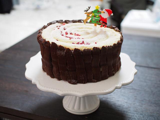 チョコバナナの切り株ケーキ