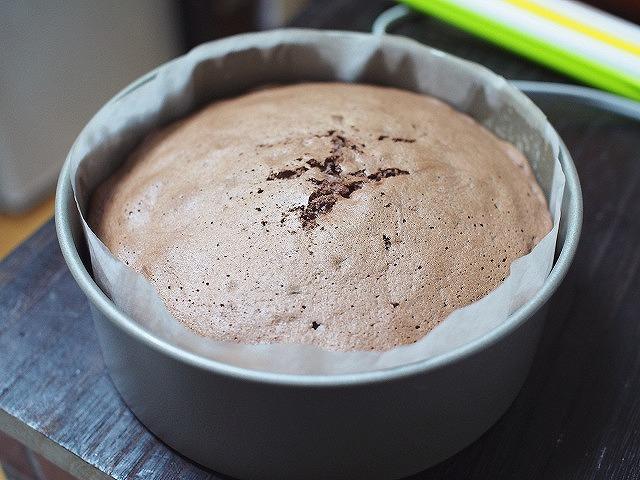 ココアのスポンジケーキ