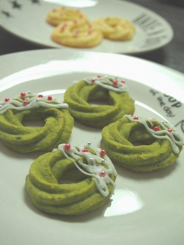 クリスマスリース絞り出しクッキー