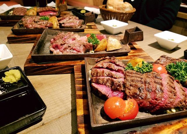 ステーキの各部位が並ぶ1
