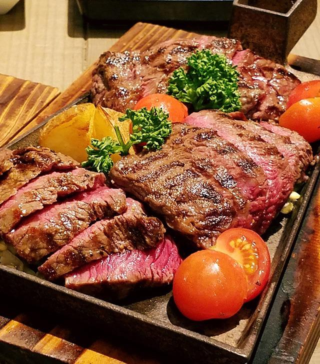 ステーキの各部位が並ぶ2