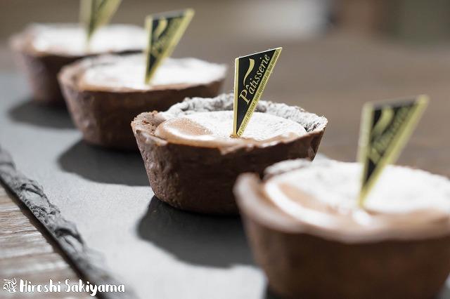 マフィン型でつくるチョコチーズタルト