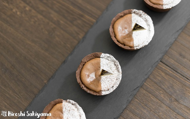 マフィン型でつくるチョコチーズタルト3