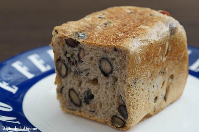 黒豆のパン2