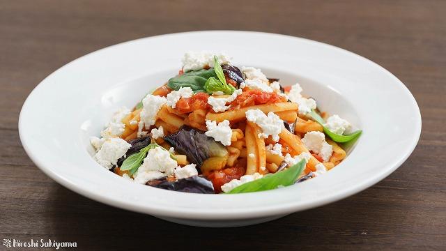 揚げ茄子とカッテージチーズとトマトソースのカサレッチェ2