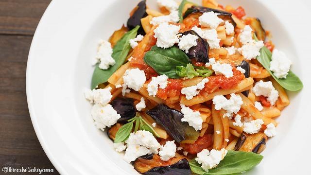 揚げ茄子とカッテージチーズとトマトソースのカサレッチェ4