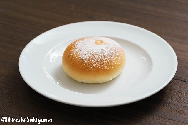 とろーりクリームパン