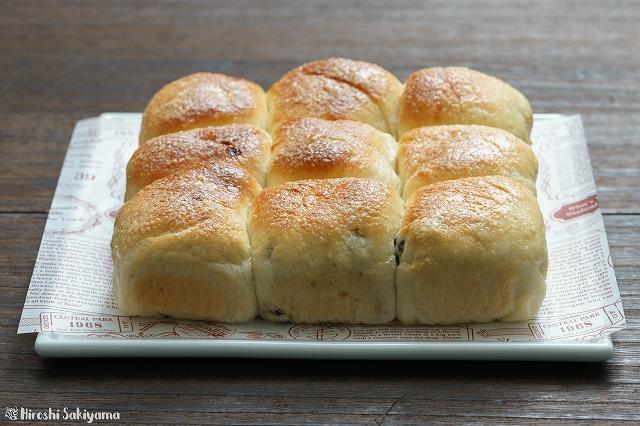 シュガーレーズンとキャラメルバナナのちぎりパン