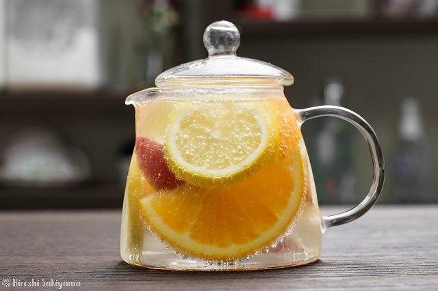 白ワインと柑橘類と林檎のサングリア