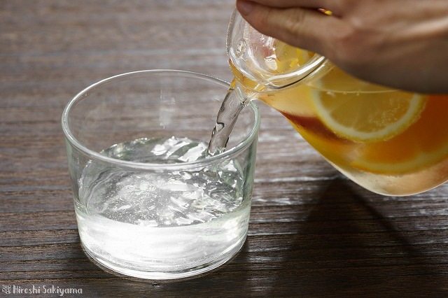 白ワインと柑橘類と林檎のサングリア3