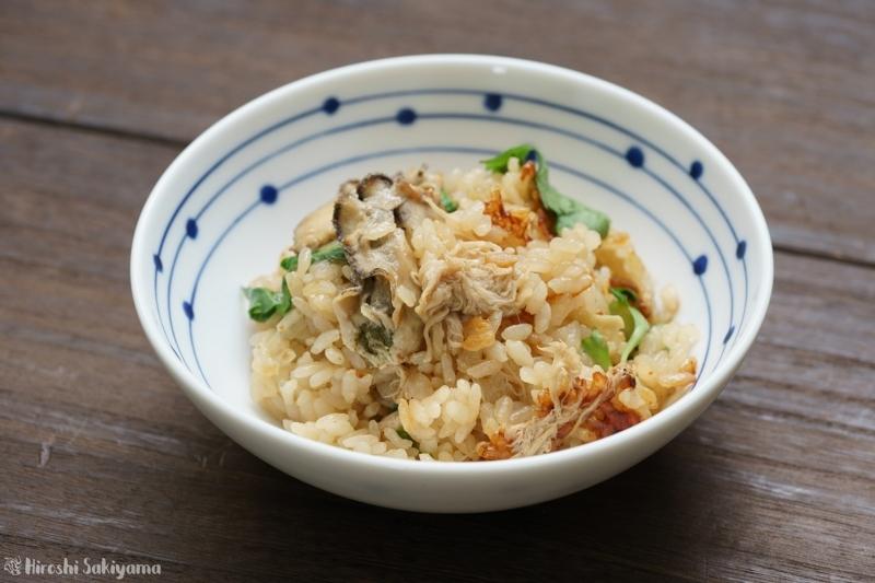 牡蠣とヤマブシタケの炊き込みご飯