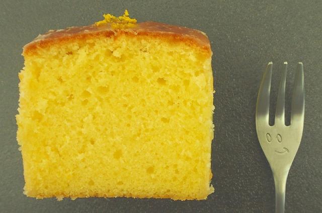 ウィークエンドシトロン(レモンパウンドケーキ)1切れをアップ