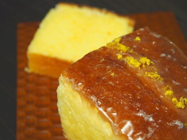 ウィークエンドシトロン(レモンパウンドケーキ)を1切れカットした様子
